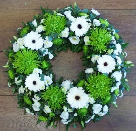 Green Shamrock Bloom Wreath